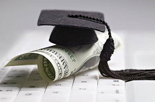 不只是學費半價,留學前辦美國的綠卡還有什么福利?